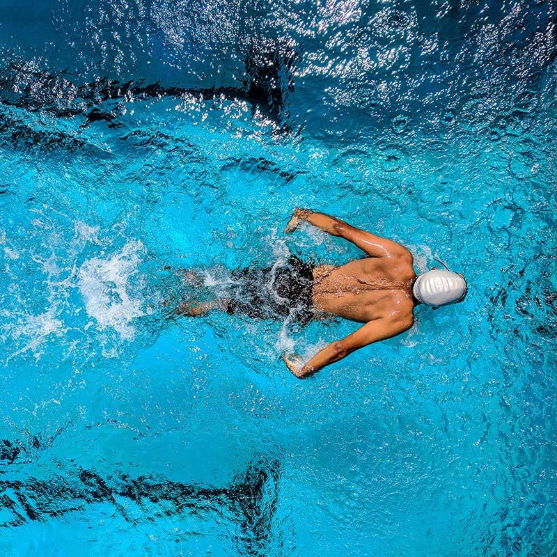 Swimming 游泳